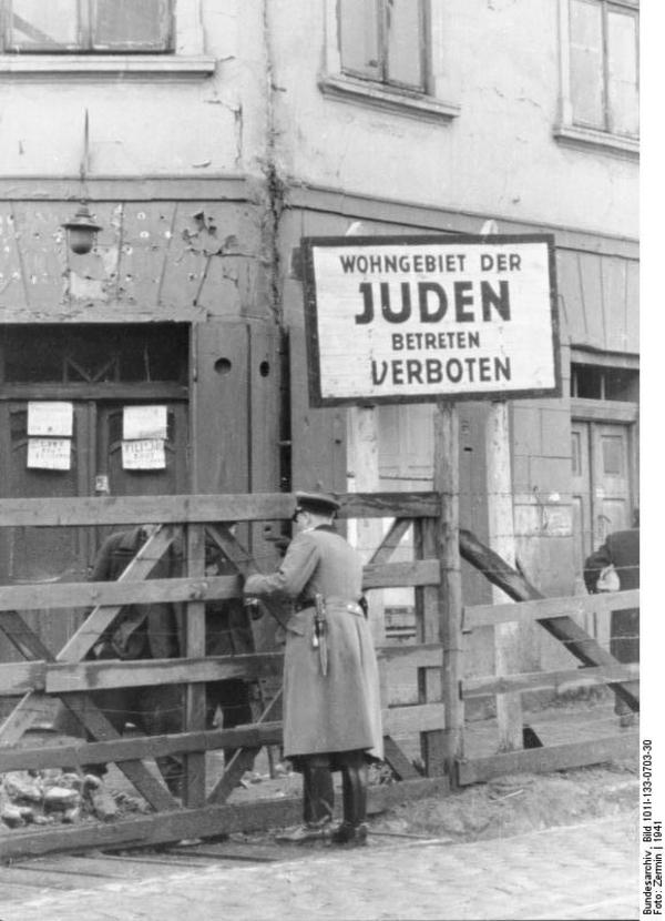 Bundesarchiv Bild 101I 133 0703 30  Polen  Ghetto Litzmannstadt  Torposten