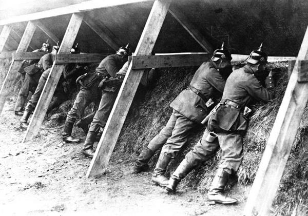 Wikomedia Commons German troops on the Belgian frontier HD SN 99 02292