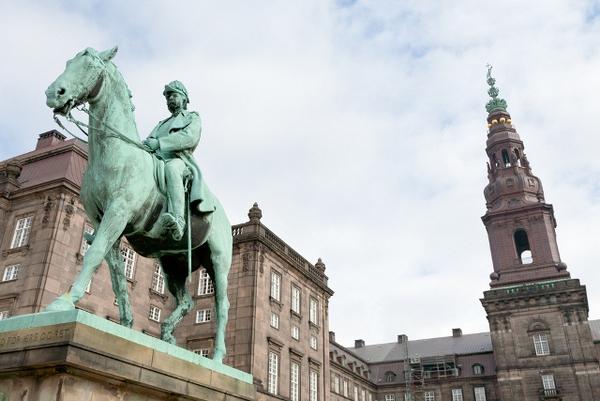 grundloven fra dansk  woe  Shutterstock