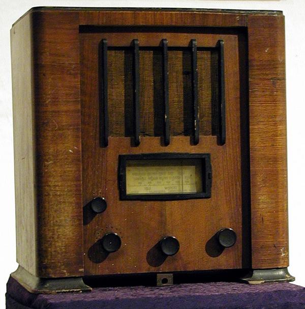 radio 1936 300