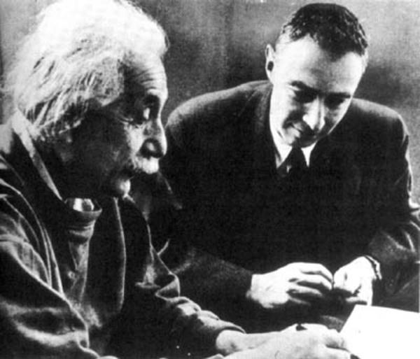 Wikimedia Commons  Einstein oppenheimer