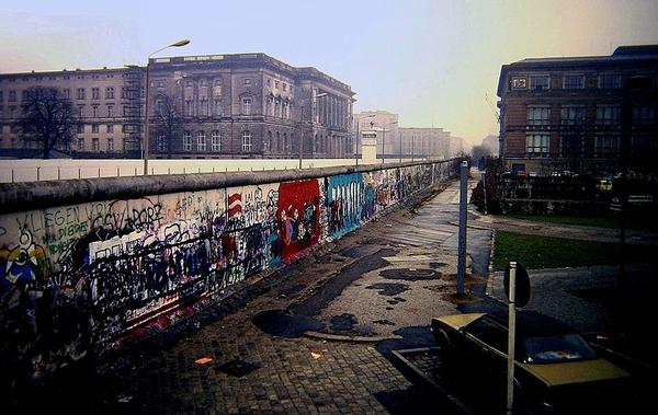 Berlin Wall  Niederkirchnerstrasse  Berlin 1988 wiki
