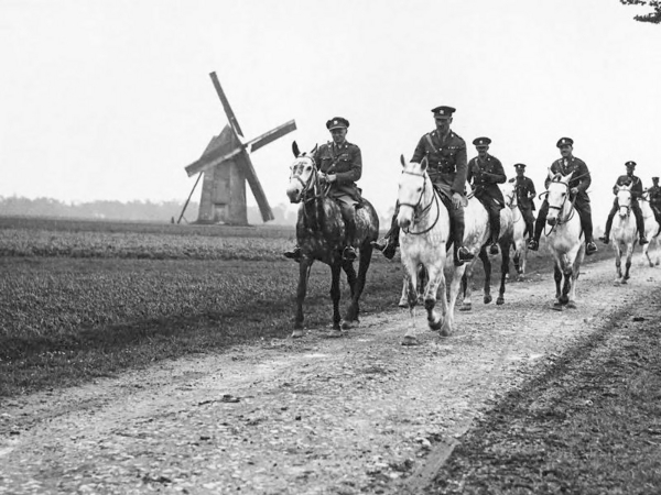 NLS Haig   C O  of the Royal Scots Greys with his staff wiki