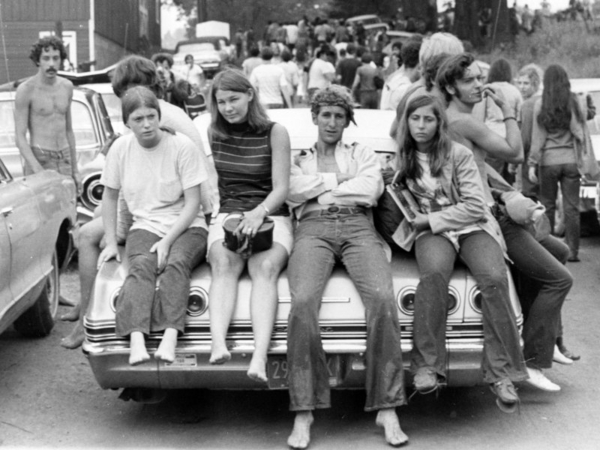 Woodstock kids Ric Manning  1969  CC BY