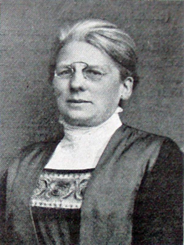 Wikimedia Commons  Nina bang