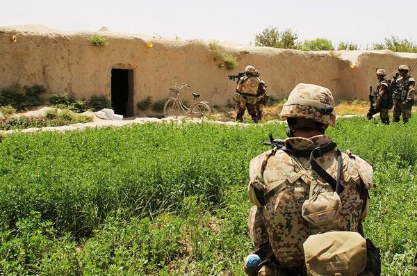 FOTO Ronny Rasmussen Presseofficer Den Danske Kampgruppe  ISAF 12 Bravo kompagniet i Helmand 2009 Haerens Operative Kommando