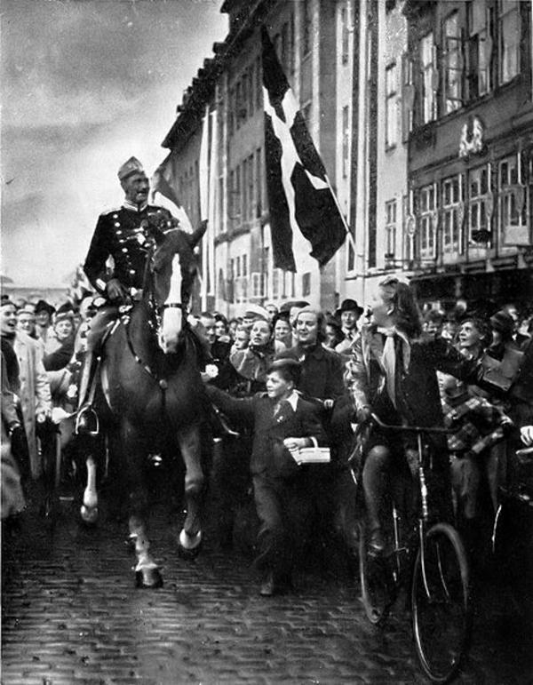 WikimediaCommons KingChristianXinCopenhagen1940
