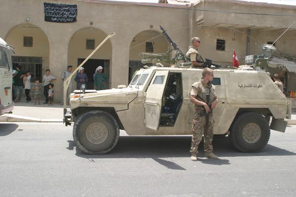 dansk militaer patrulje i irak  Haerens operative kommando 2004